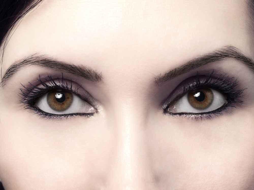 oczy przed soczewkami