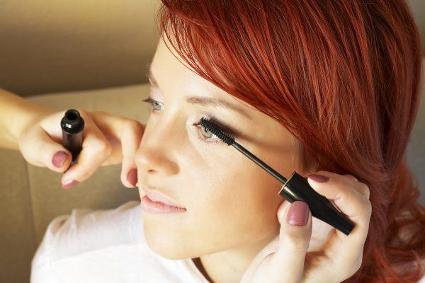soczewki kontaktowe makijaż rzęs